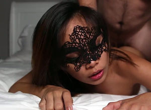 Luxurious chinese damsel gets facial..