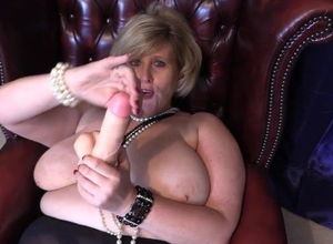 English Huge-chested Gilf Taunting..